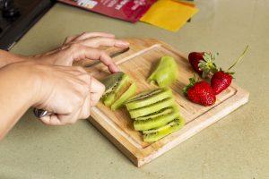 סושי פירות על בסיס דפי סויה צבעוניים