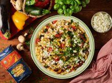 סלט פסטה עם ירקות אנטיפסטי