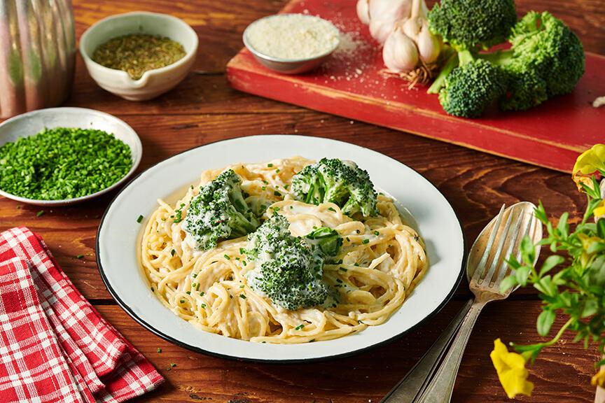 ספגטי 3 גבינות עם ברוקולי ועשבי תיבול