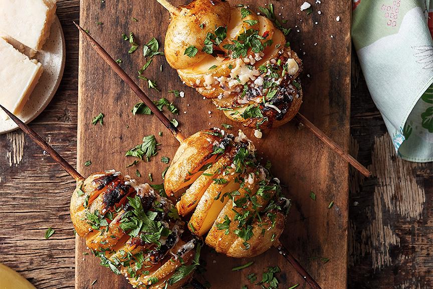 ספירלת תפוחי אדמה על מקל